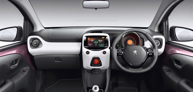/image/83/6/int-touch_screen_and_dashboard.190836.jpg